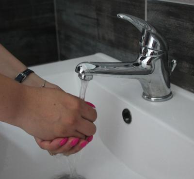 SCUMPIRI. O nouă majorare a preţului apei şi canalizării. Tarifele vor continua să crească până în 2023
