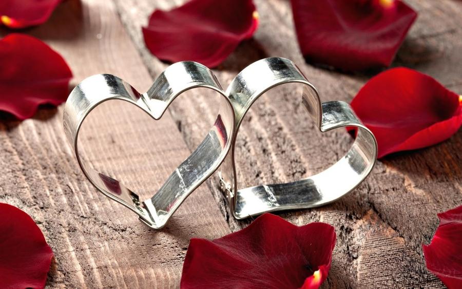 Mesaje de Valentine's Day:   Declaraţii, urări, SMS-uri şi mesaje de dragoste pe care le puteţi trimite persoanei iubite