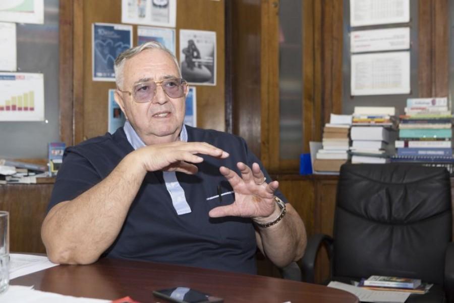 """INTERVIURI DE TOP"""" - Academicianul Laurenţiu M. Popescu: """"E prematur să  vorbim despre Nobel"""" - Viaţa Liberă Galaţi"""