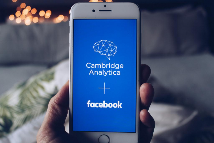 Divizia din SUA a Cambridge Analytica a intrat în faliment