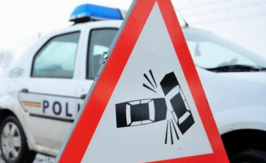 Un minor care lua lecţii de conducere a ACCIDENTAT un pieton
