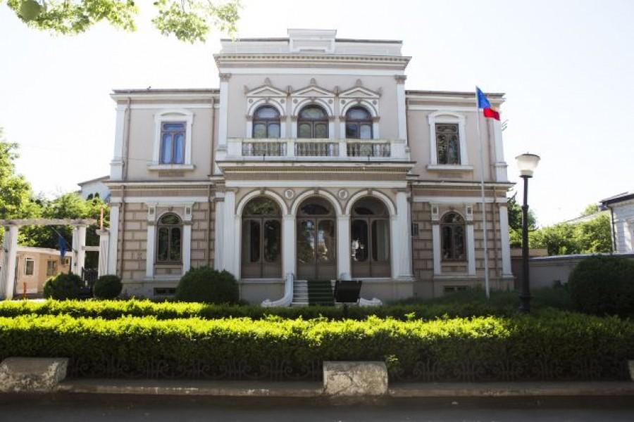S-a găsit sediu pentru administraţia oraşului! Primăria îi cere Guvernului Palatul Lambrinidi - Viaţa Liberă Galaţi