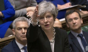 Theresa May, sub presiunea propriului partid