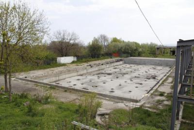 """Primăria şi Consiliul Judeţean se """"bat"""" pentru Bazinul Olimpic"""