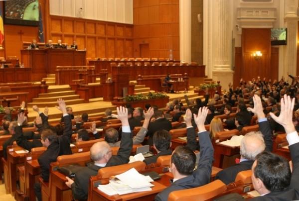 Priorităţile parlamentului în noua sesiune: ConstituÅ£ia, Codurile penale ÅŸi cel Rutier
