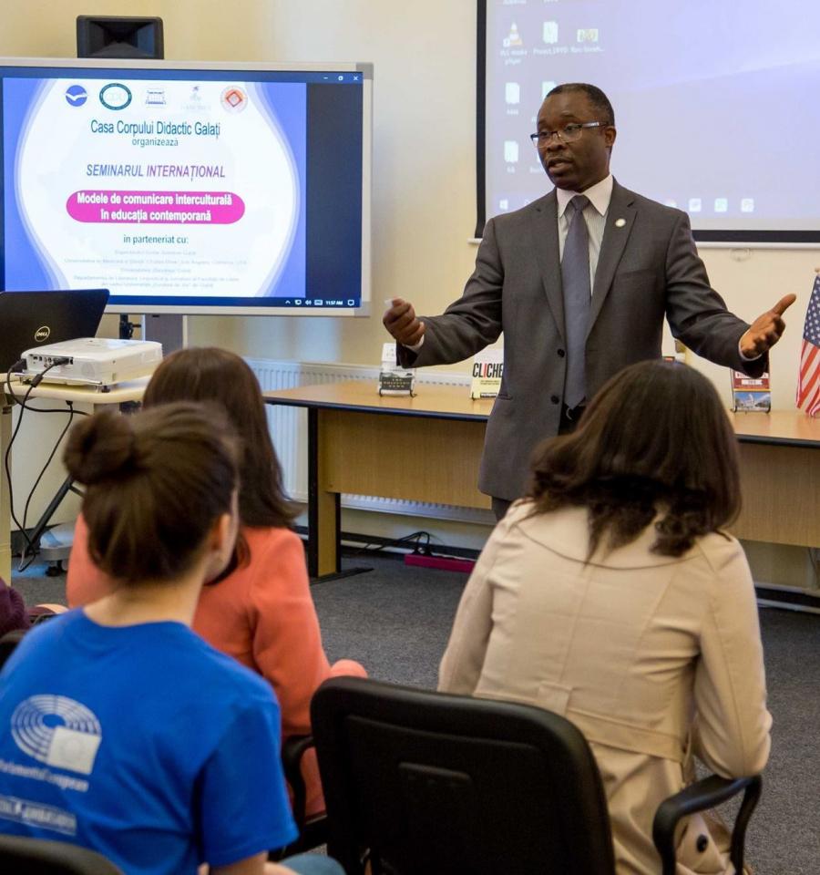 Modele de comunicare interculturală în educația ...