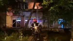 Incendiu într-un apartament din Micro 19 (VIDEO)